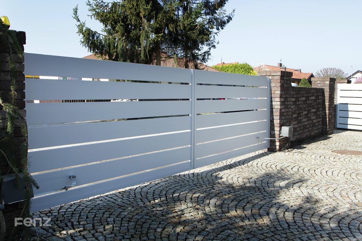 Brama dwuskrzydłowa z aluminium